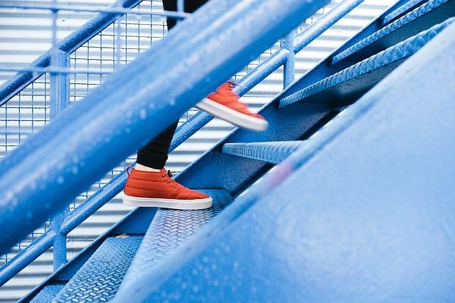 escaleras de una construcción